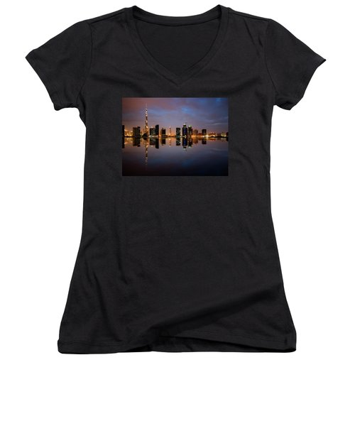 Fascinating Reflection Of Tallest Skyscrapers In Bussiness Bay D Women's V-Neck T-Shirt