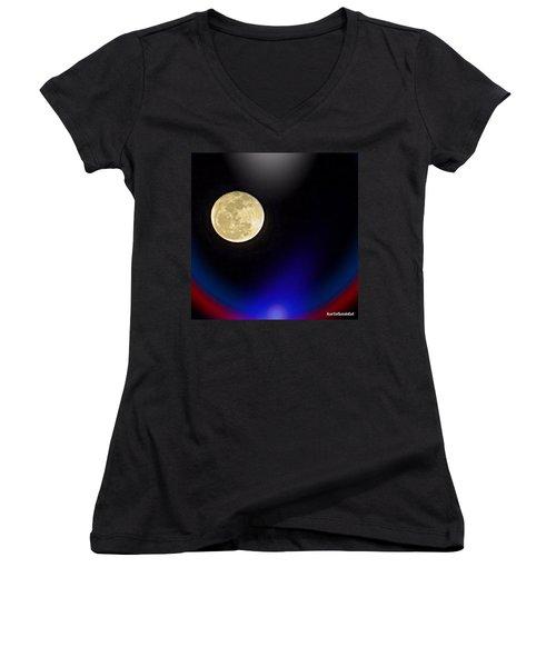 Photoshopping Tonight's #moon. Wish Women's V-Neck T-Shirt