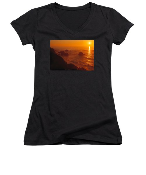 Sunset Over The Pacific Ocean Women's V-Neck T-Shirt (Junior Cut) by Utah Images
