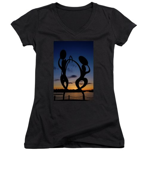 United In Celebration Sculpture At Sunset 5 Women's V-Neck T-Shirt (Junior Cut) by John McArthur