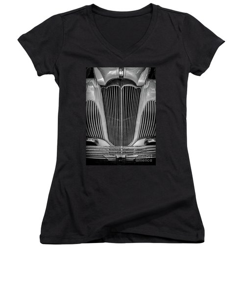 1941 Packard Convertible Women's V-Neck (Athletic Fit)