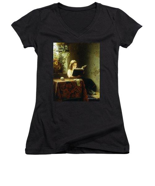 A Girl Reading Women's V-Neck T-Shirt