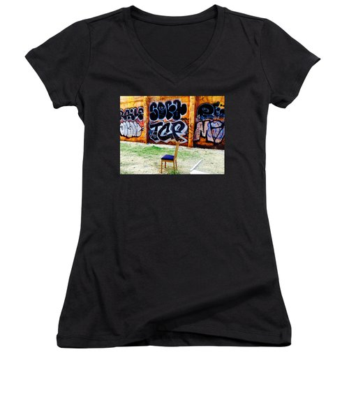 Admiring Barcelona Graffiti Wall Women's V-Neck T-Shirt