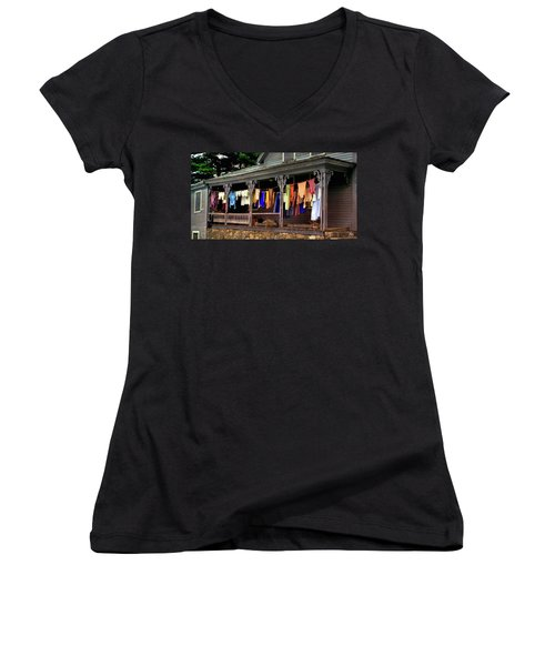 Alton Washday Revisited Women's V-Neck T-Shirt
