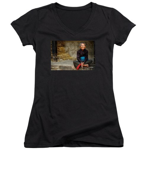 An Old Woman In Bhaktapur Women's V-Neck T-Shirt