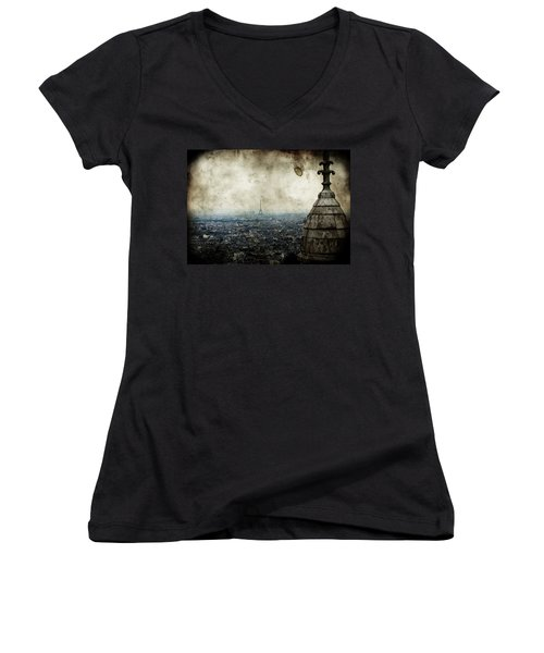 Anamnesis Women's V-Neck T-Shirt