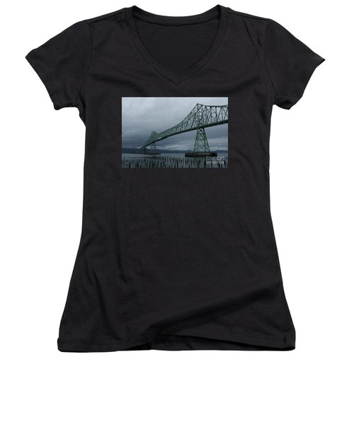 Astoria Bridge Women's V-Neck