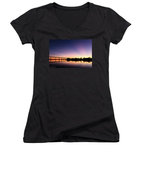 Beams Women's V-Neck (Athletic Fit)