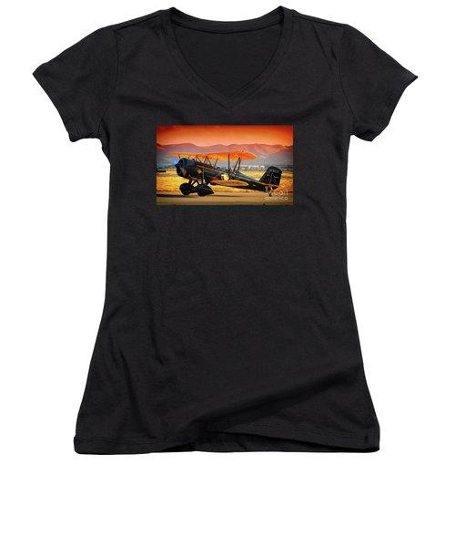 Ben Scott's Stearman Speedmail 4e Version 2 Women's V-Neck T-Shirt