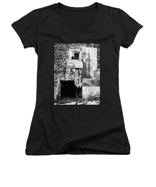 Benjamin Nye Homestead Women's V-Neck T-Shirt