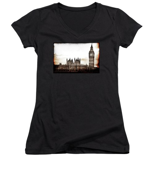 Big Bend And The Palace Of Westminster Women's V-Neck T-Shirt
