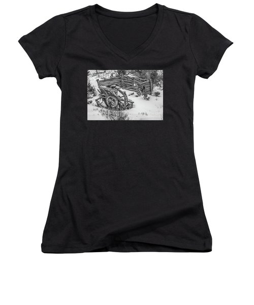 Broken Water Wheel Women's V-Neck (Athletic Fit)
