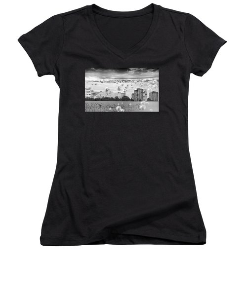 Bubbles And The City Women's V-Neck