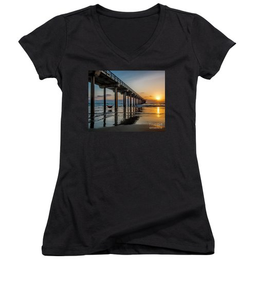 California Dream'n Women's V-Neck T-Shirt