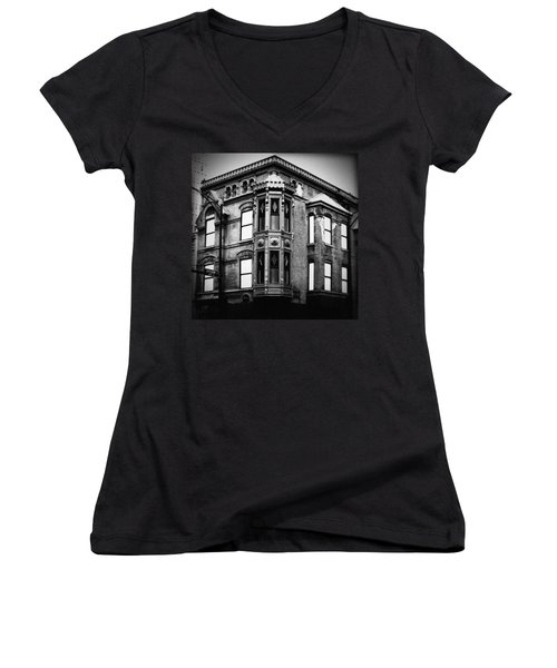 Chicago Historic Corner Women's V-Neck (Athletic Fit)