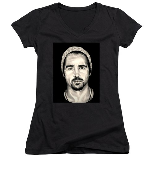 Colin Farrell  Total Recall Women's V-Neck T-Shirt (Junior Cut) by Fred Larucci