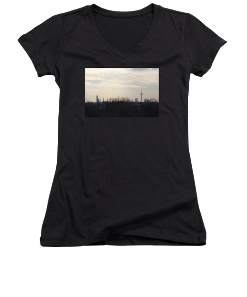Cologne Skyline  Women's V-Neck T-Shirt (Junior Cut)