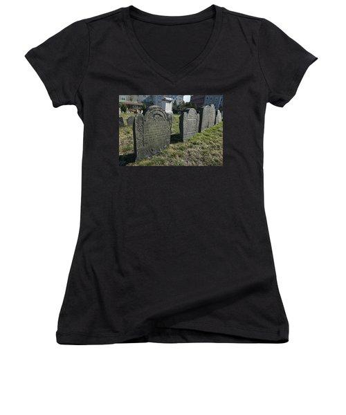 Colonial Graves At Phipps Street Women's V-Neck