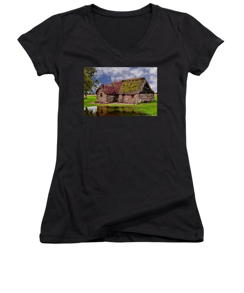 Cottage In The Highlands Women's V-Neck T-Shirt