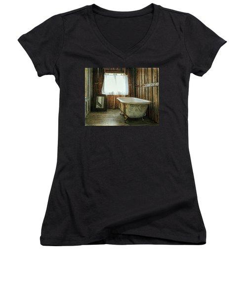 Country Life Women's V-Neck T-Shirt