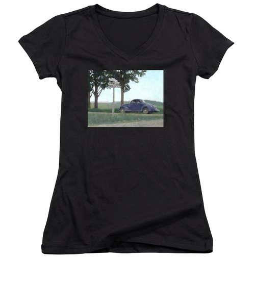 Coupe In The Countryside Women's V-Neck