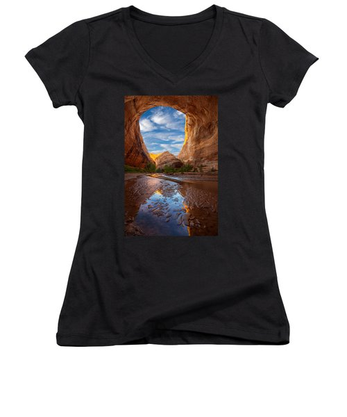 Coyote Gulch Women's V-Neck