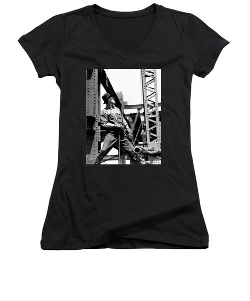 Derrick Man   Empire State Building Women's V-Neck T-Shirt (Junior Cut) by LW Hine