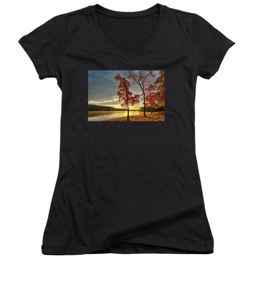 East Texas Autumn Sunrise At The Lake Women's V-Neck T-Shirt