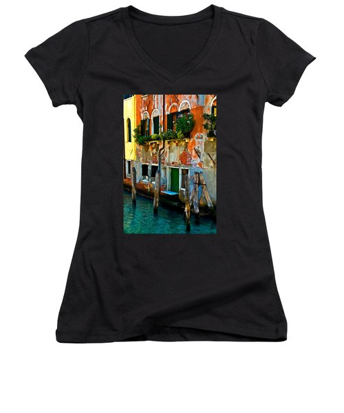 Empty Dock Women's V-Neck T-Shirt