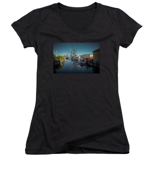 Englehardt,nc Fishing Town Women's V-Neck T-Shirt (Junior Cut)