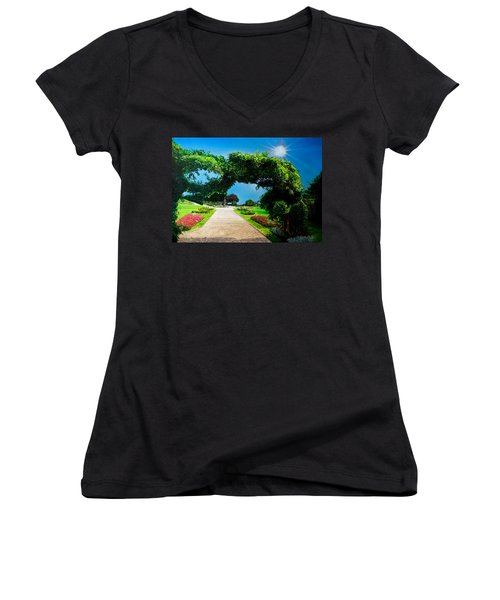 English Garden Women's V-Neck (Athletic Fit)
