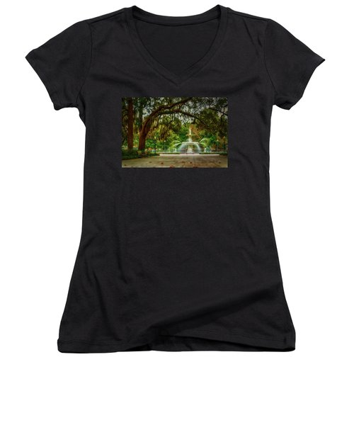 Forsyth Park Fountain Women's V-Neck T-Shirt (Junior Cut)