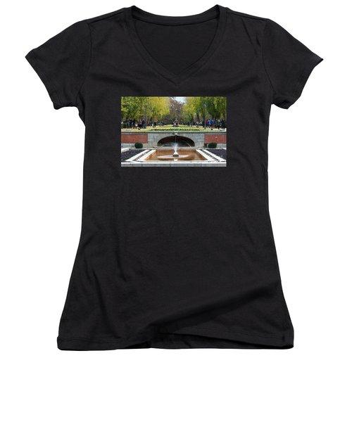 fountain in Buen Retiro  Women's V-Neck T-Shirt