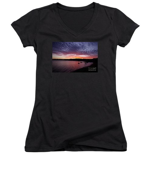 Four Elements Sunset Sequence 1 Coconuts Qld  Women's V-Neck T-Shirt (Junior Cut) by Kerryn Madsen - Pietsch