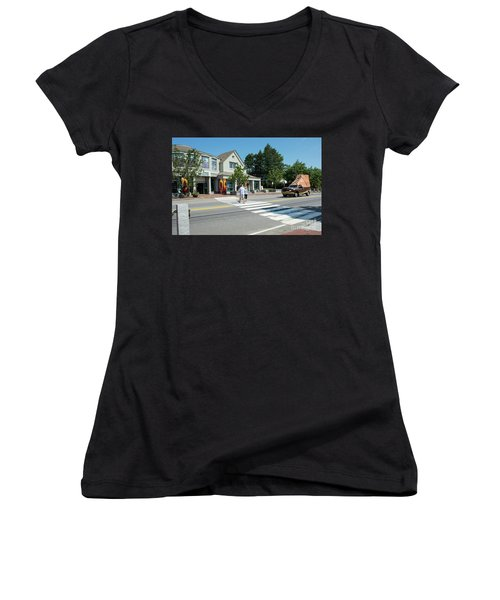 Freeport, Maine #130398 Women's V-Neck