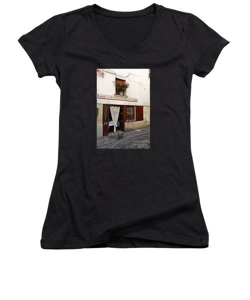 French Bistro Women's V-Neck T-Shirt