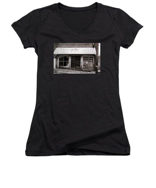 Friendly Recreation- Utica Mississippi Women's V-Neck T-Shirt