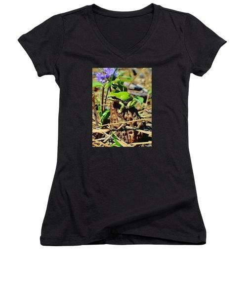 Frog On A Morel Women's V-Neck T-Shirt