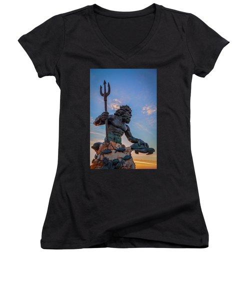 Gaze I Women's V-Neck T-Shirt