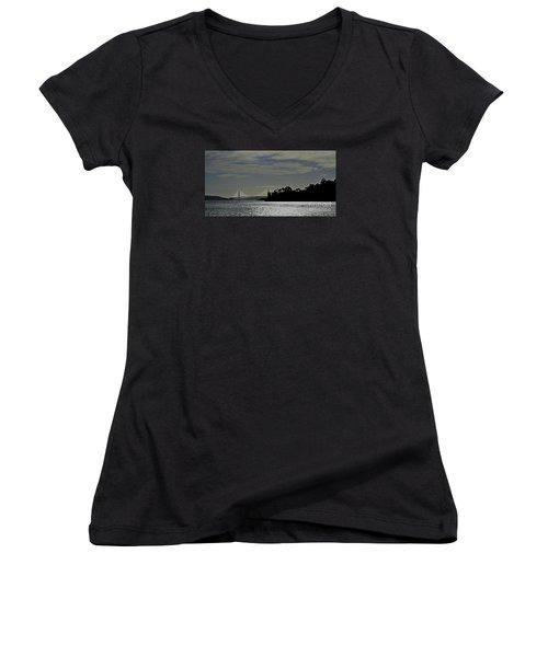 Golden Gate Bridge Women's V-Neck T-Shirt (Junior Cut)