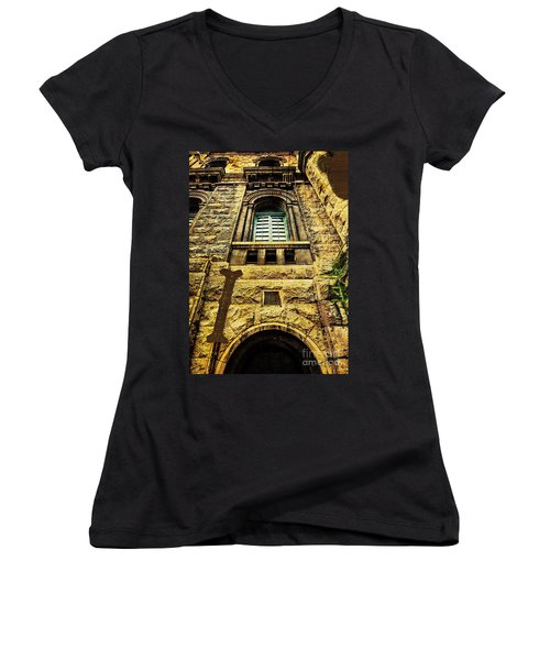 Grungy Melbourne Australia Alphabet Series Letter I Royal Melbou Women's V-Neck (Athletic Fit)