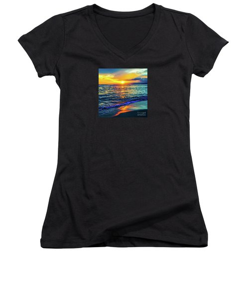 Hawaii Beach Sunset 149 Women's V-Neck