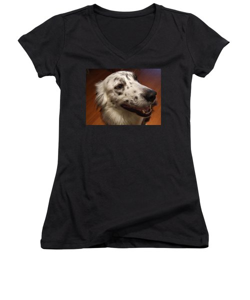 'houlie' Women's V-Neck T-Shirt