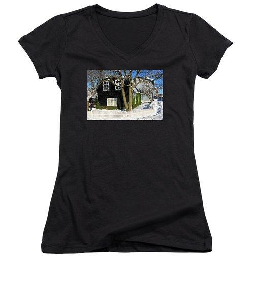 House In Reykjavik Iceland In Winter Women's V-Neck T-Shirt (Junior Cut) by Matthias Hauser