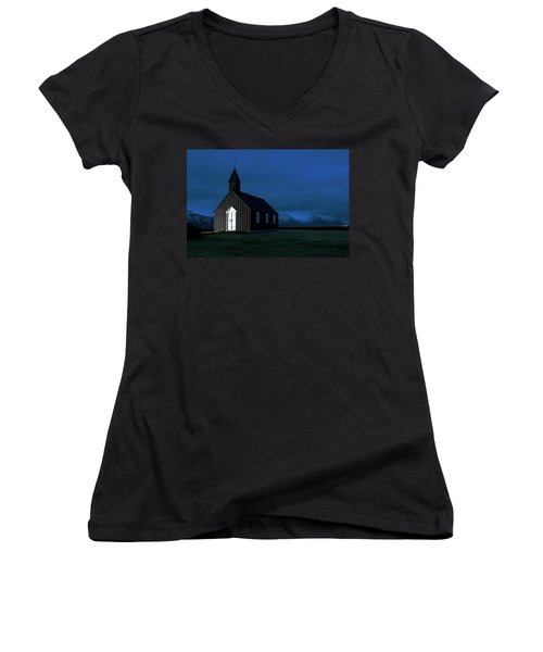 Women's V-Neck T-Shirt featuring the photograph Icelandic Church At Night by Dubi Roman