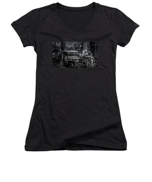 Jeep Women's V-Neck T-Shirt
