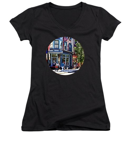 Jim Thorpe Pa - Window Shopping Women's V-Neck