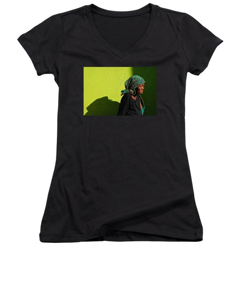 Lady In Green Women's V-Neck T-Shirt (Junior Cut)