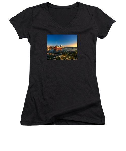 Late In The Day At Fisherman's Cove  Women's V-Neck T-Shirt (Junior Cut) by Ken Morris