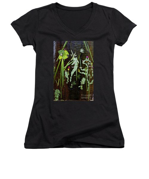 Leaf Art Women's V-Neck (Athletic Fit)